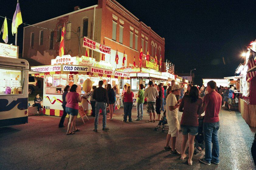 Crowd wondering around the 2012 Fall Festival